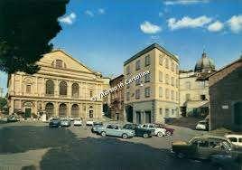 piazza del teatro
