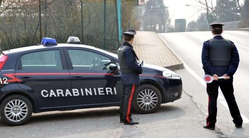 Getta involucro con droga ma viene scoperto dai Carabinieri a Canino: ai domiciliari
