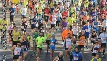 Bruno Buzzi, il runner col cilndro, domani corre la Maratona di Roma con le scarpe firmate dai viterbesi