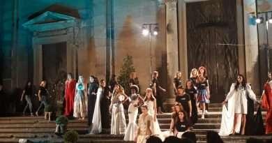 """""""Duomo sotto le stelle"""", emozioni d'autore a piazza San Lorenzo (Video integrale dell'evento e interviste)"""