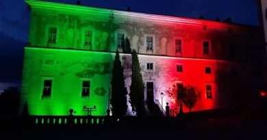 Il tricolore illumina Palazzo Doria Pamphilj di San Martino al Cimino