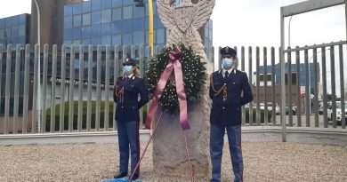 Commemorazione dei caduti della Polizia di Stato nel 169° dalla fondazione (Video)