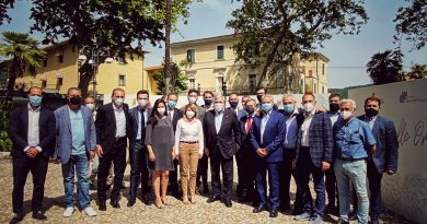 Tajani incontra sindaci e vicesindaci